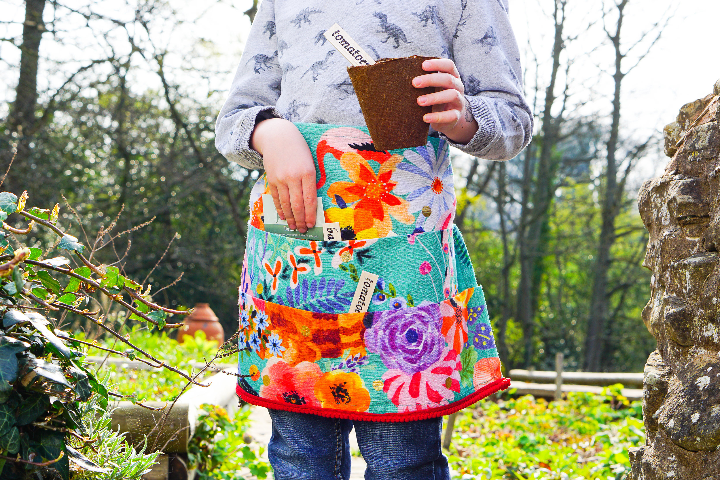 Sewing made simple: an outdoor apron for kids