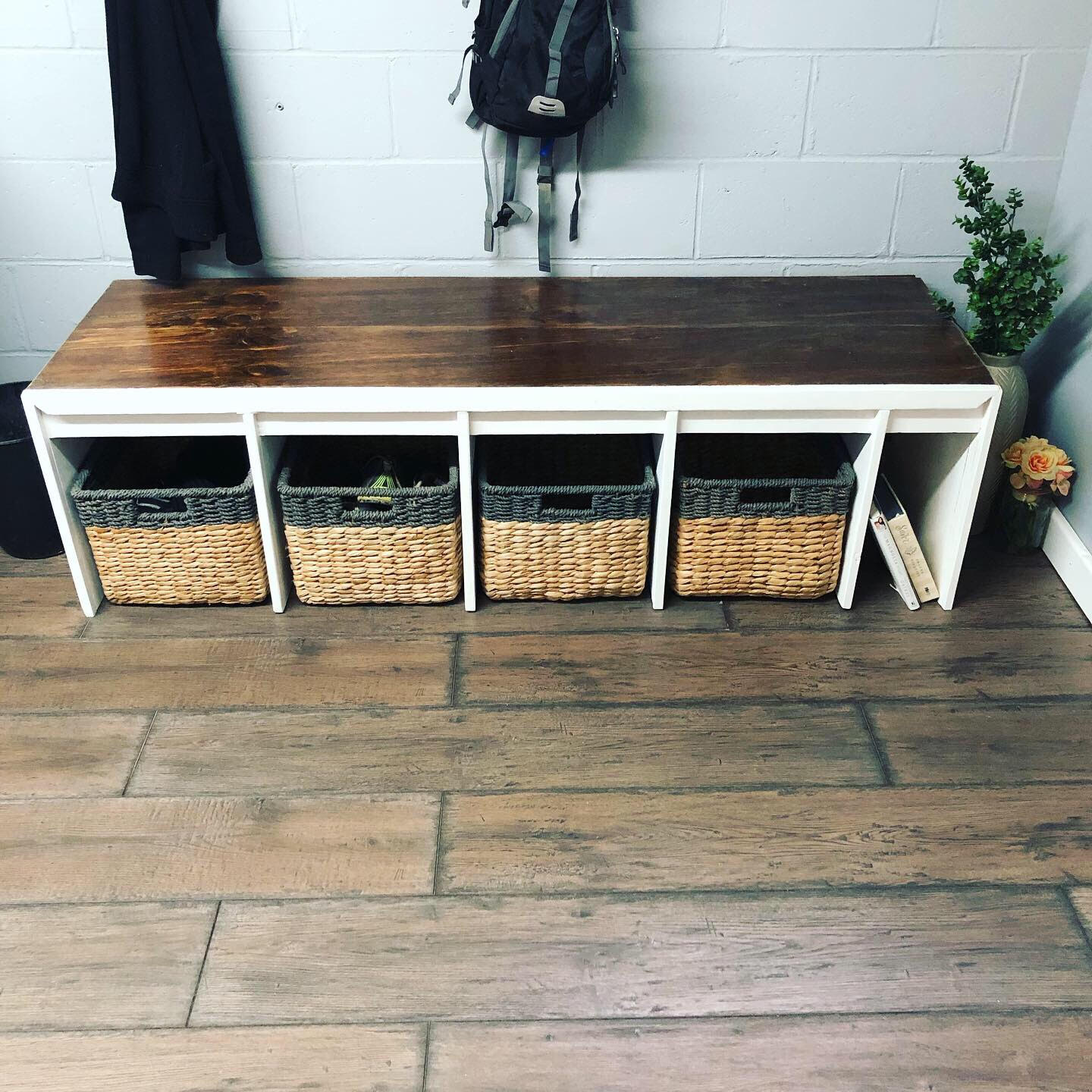 Entry Way Cubby Bench