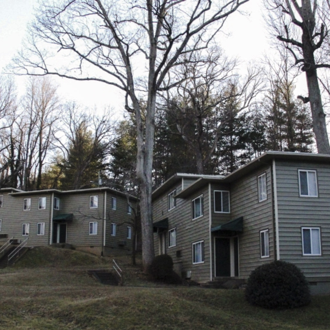 The Woods 3Bed 1Bath,$945/month -