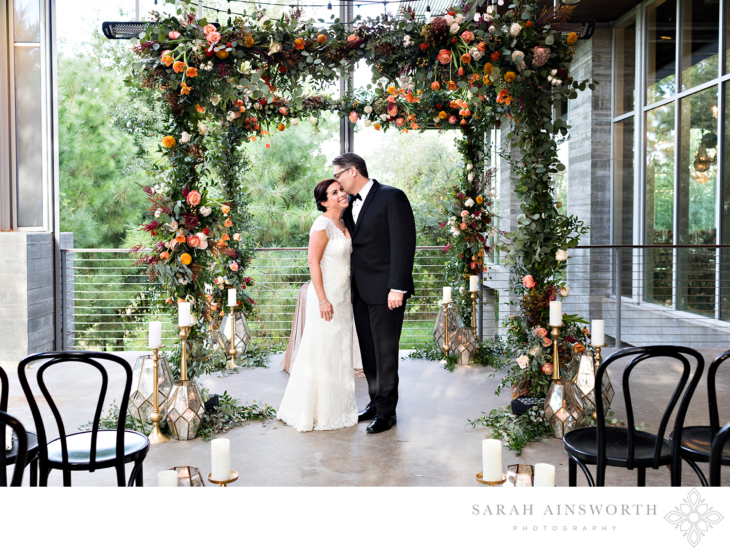 17_the-dunlavy-houston-wedding-houston-wedding-venue-with-chandeliers-houston-restaurants-as-wedding-venues_01.jpg