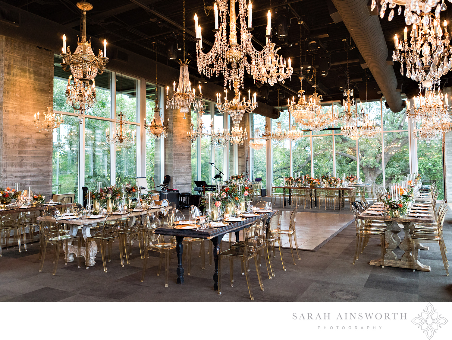 18_the-dunlavy-houston-wedding-houston-wedding-venue-with-chandeliers-houston-restaurants-as-wedding-venues_02.jpg
