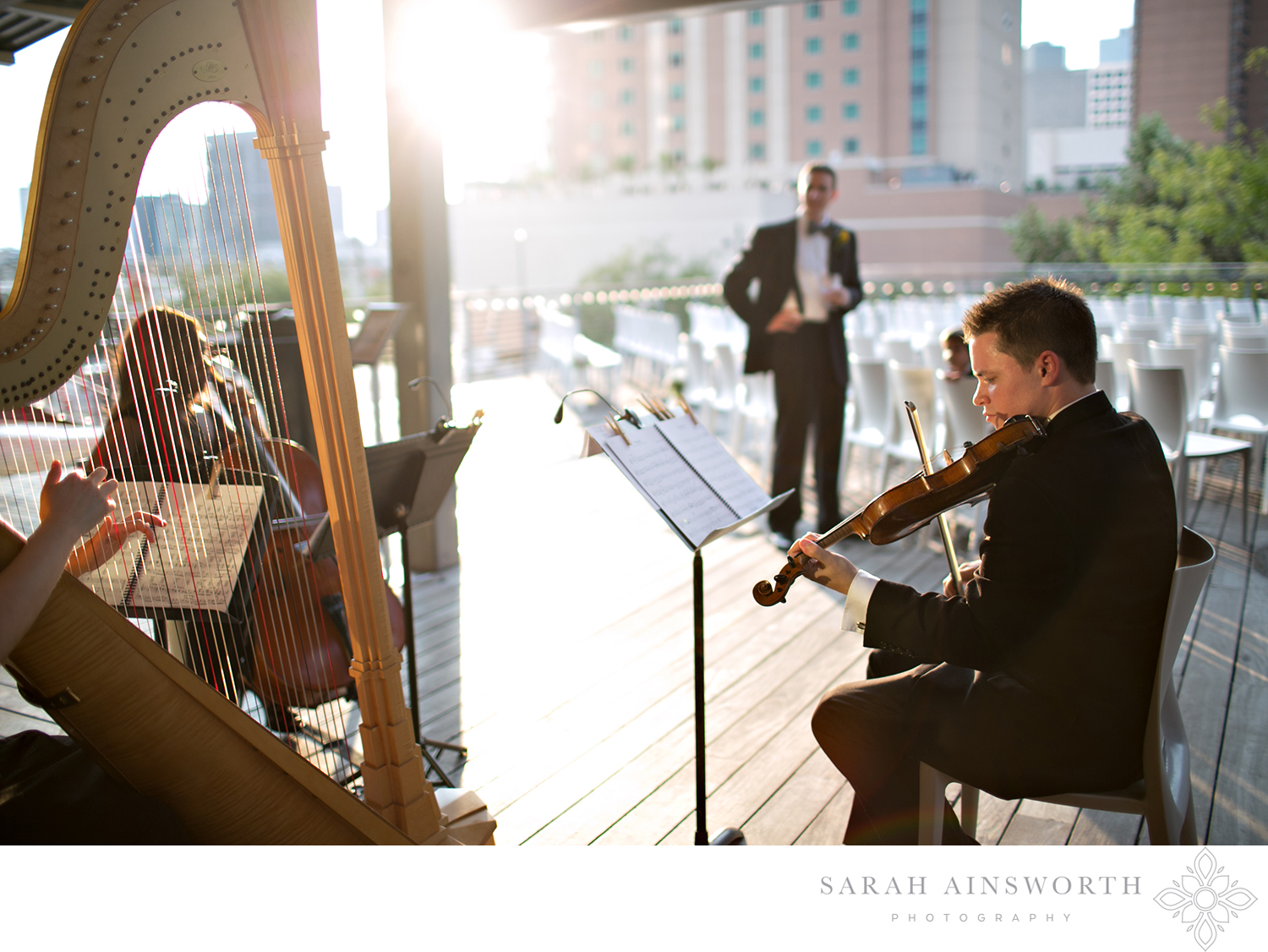 21_the-grove-wedding-rooftop-wedding-houston-weddings-at-the-grove-downtown-rooftop-wedding-hilton-americas-discovery-green-wedding_01.jpg