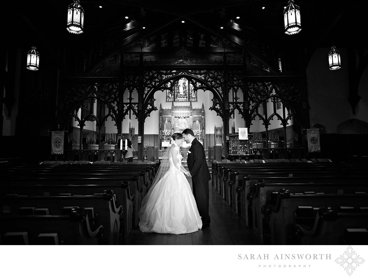 33_christ-church-cathedral-downtown-houston-churches-houston-wedding-cathedrals-best-churches-to-get-married-houston_01.jpg