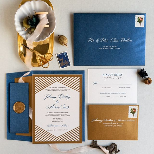 I had such a fun time photographing flat lays of invitation suites for Jaclyn at @thedesigntrack  Jaclyn is a former bride of mine that is a designer that does just about anything you can imagine! Check her out! I'll be sharing more of the lovely flat lays I photographed in the days to come, but for now here's a gorgeous navy & gold wedding suite.