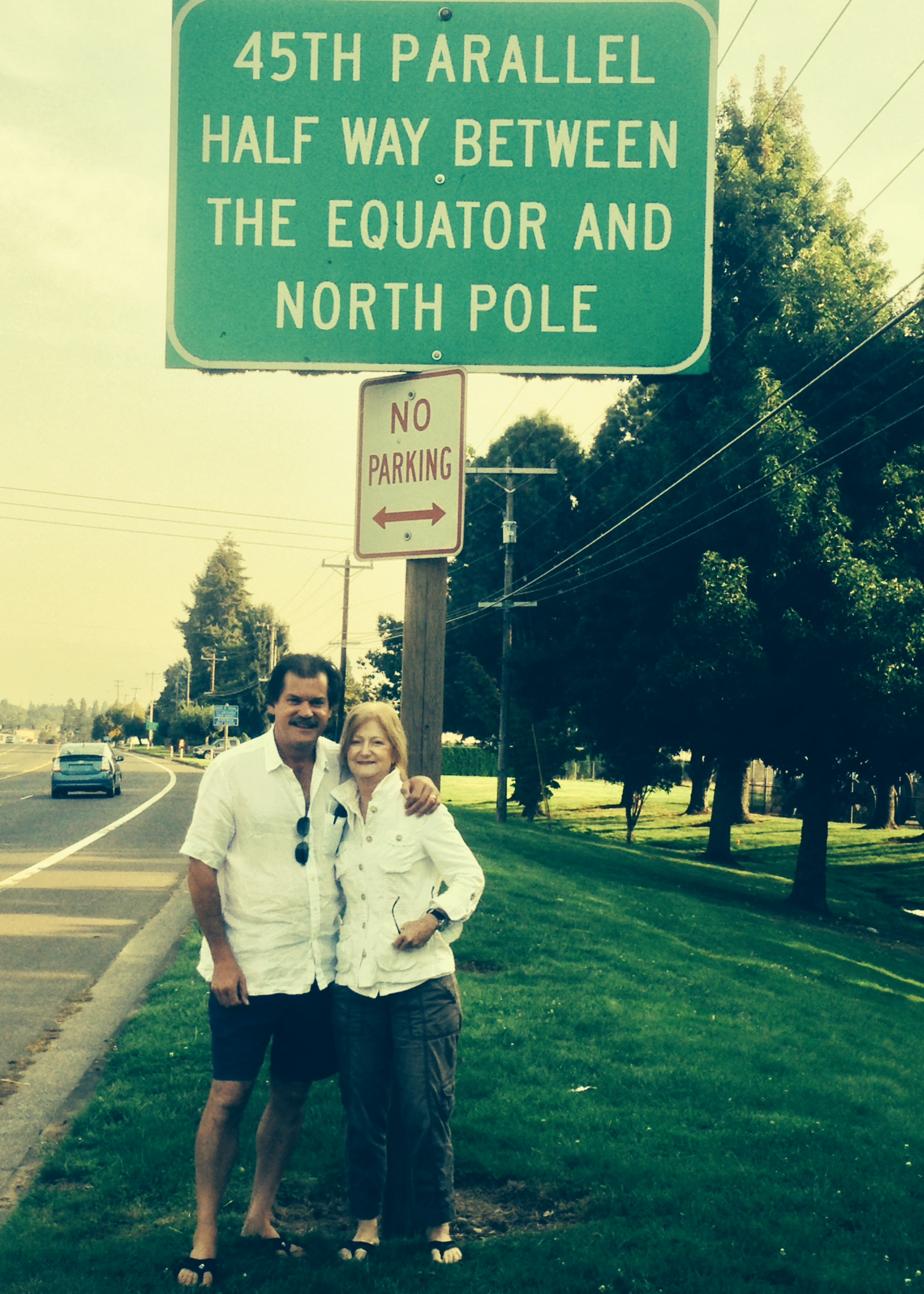 Photo opp at the 45th Parallel in  Willamette Valley.