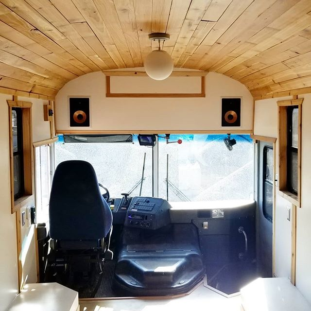 Another little #glam shot of how the @zenstop bus turned out. The cedar ceiling really stole the show for us, what do you think? If you're in LA looking for a little bit of mindfulness, get on this bus and reconnect 🤙