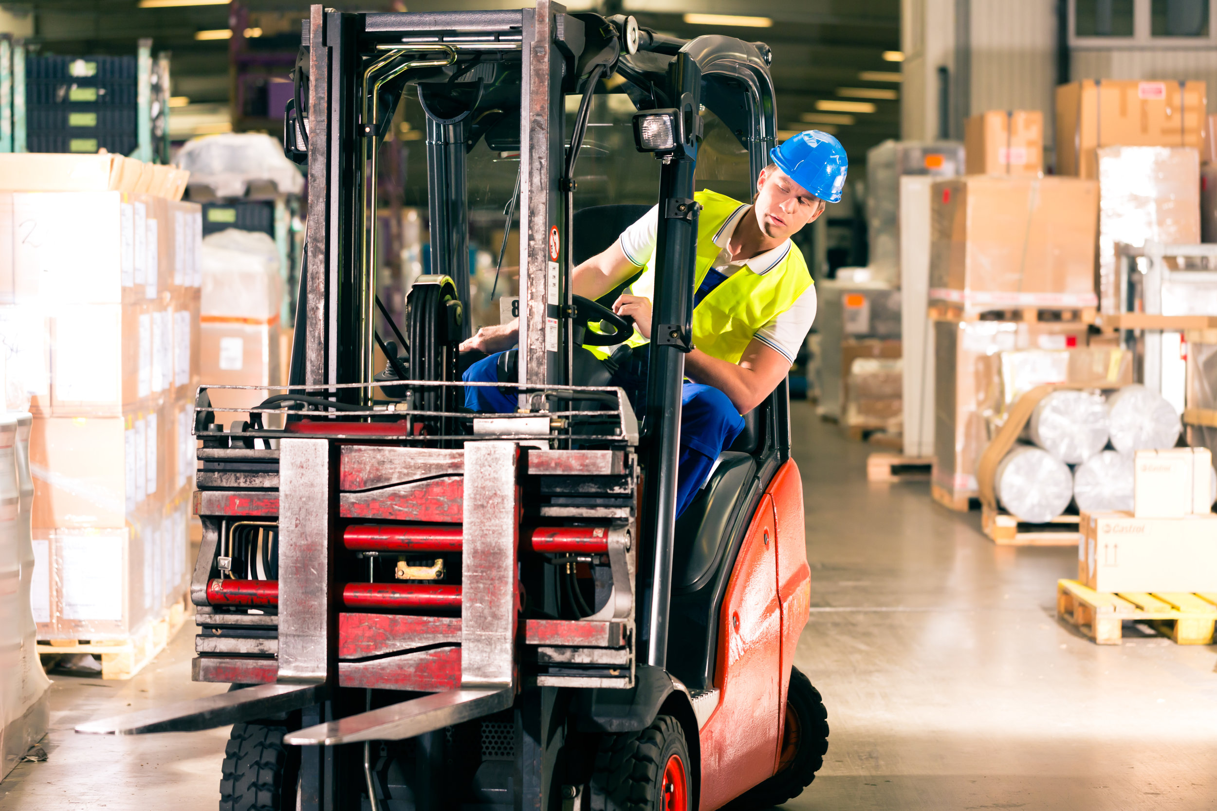 INDUSTRIAL - Logistics never stops, so your equipment can't either. We offer industrial propane delivery to keep your forklifts ready to keep your business moving.