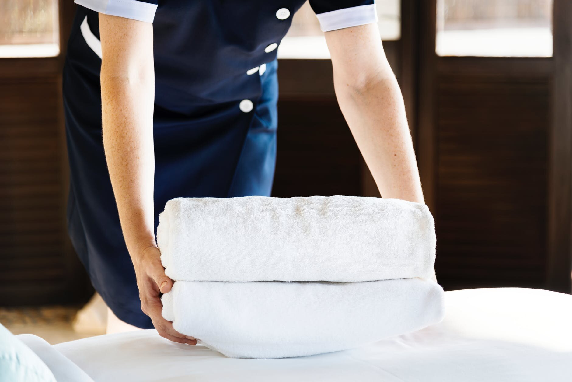 Hotels can reduce energy costs… - Hotels & Motels can reduce costly energy costs by switching to propane gas. Propane is cheaper than electricity (natural gas), and it's much more energy-efficient.