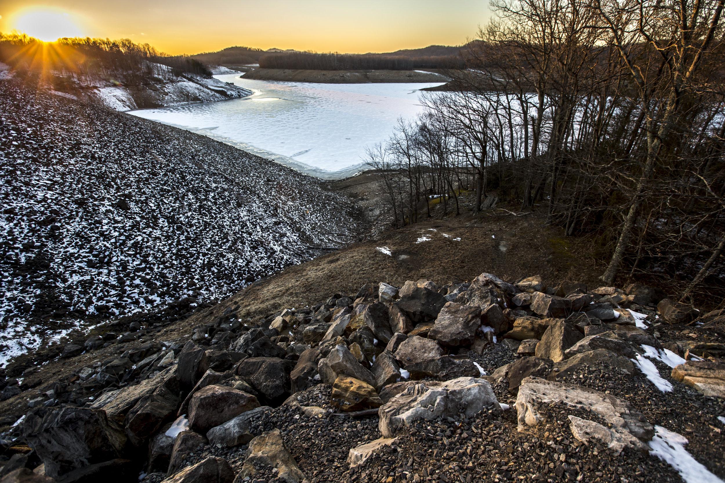 Sunset over Summersville Reservoir in West Virginia on February 27, 2014.jpg