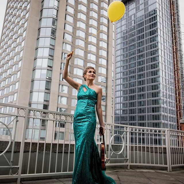 Taking flight! 🎈  Model: Nadia Monczak Dress: @atelierrosemarieumetsu  Makeup: @makeup_artistica1111