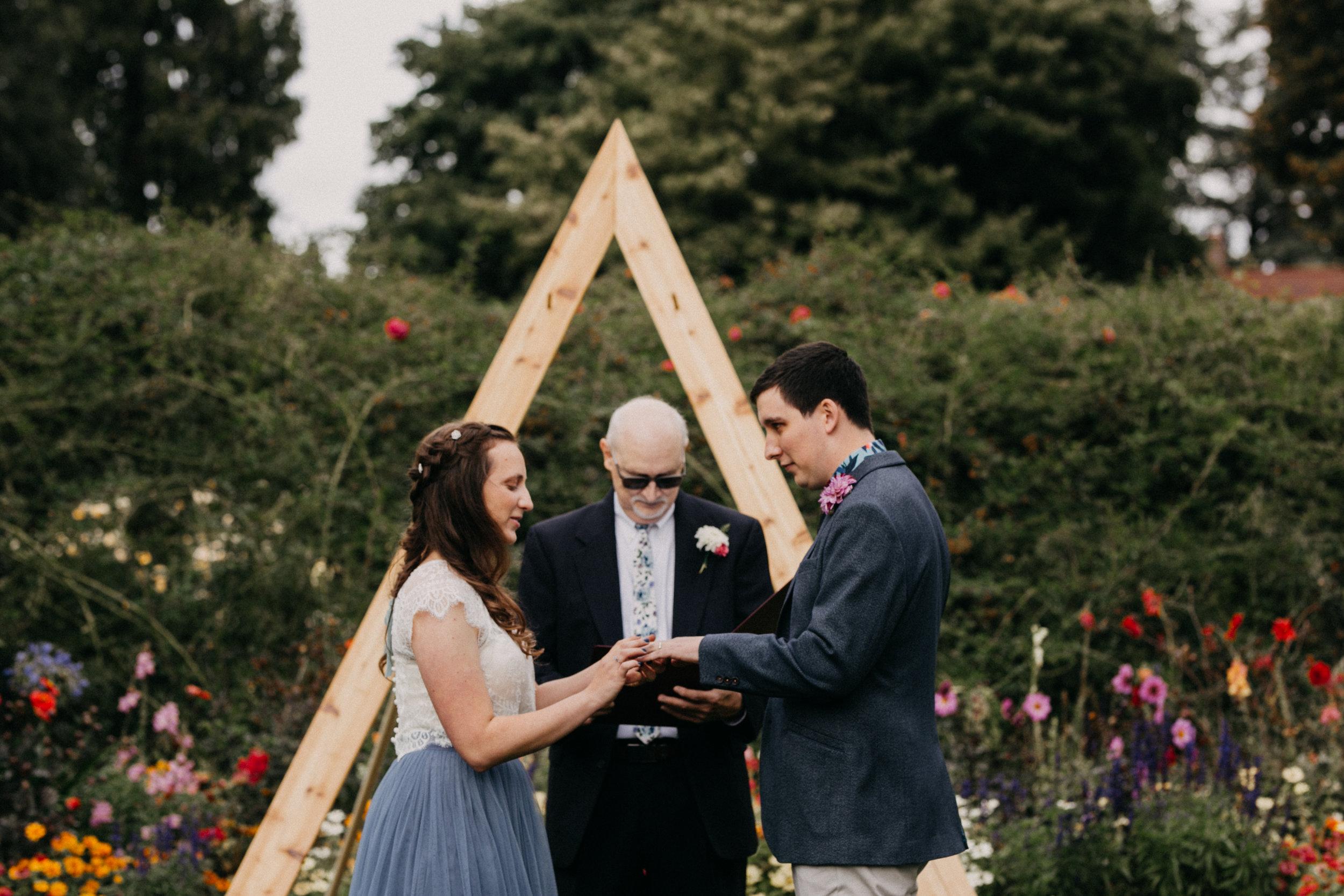 PointDefianceRoseGarden_Wedding_Stuberg_Melaphoto-1524.jpg