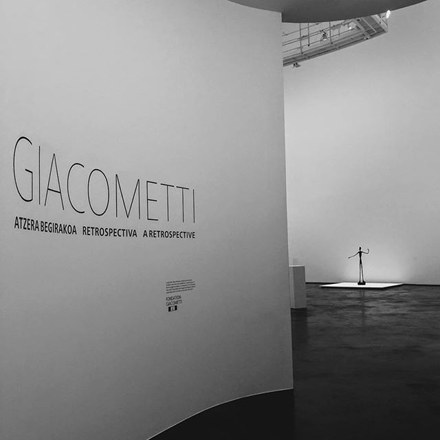"""""""A person is not seen as a whole until one draws away and the person grows tiny"""" 🤘🏻❤️🤘🏻Giacometti #giacometti #guggenheim #bilbao"""