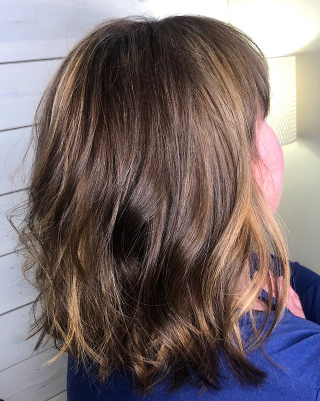 Balayage & contour done by Niki! Swipe to see the before ➡️