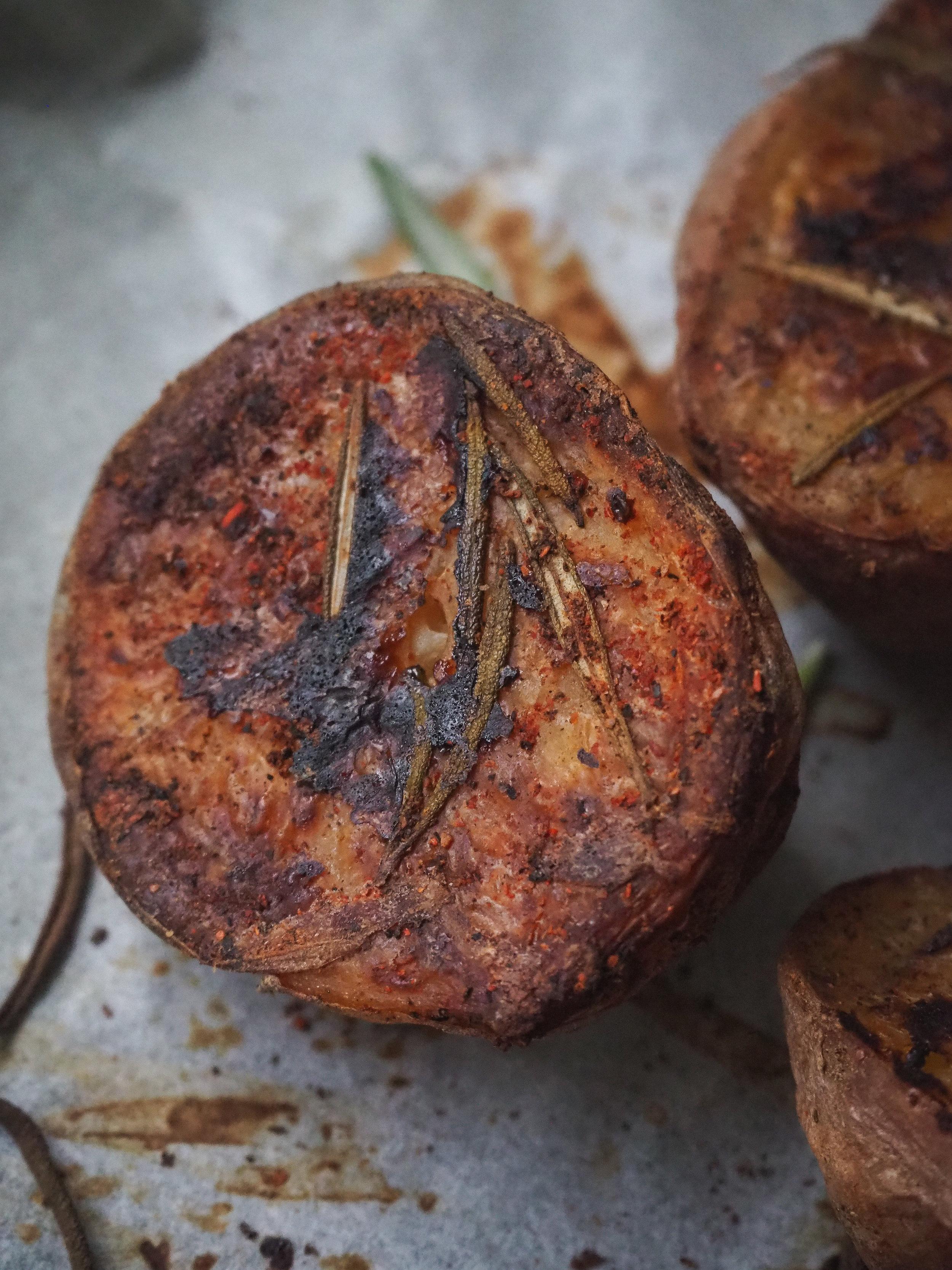 Roasted Rosemary Potatoes | Plant-Based, Vegan, Oil-Free, Easy Beginner Recipe  © Elena Hollenhorst