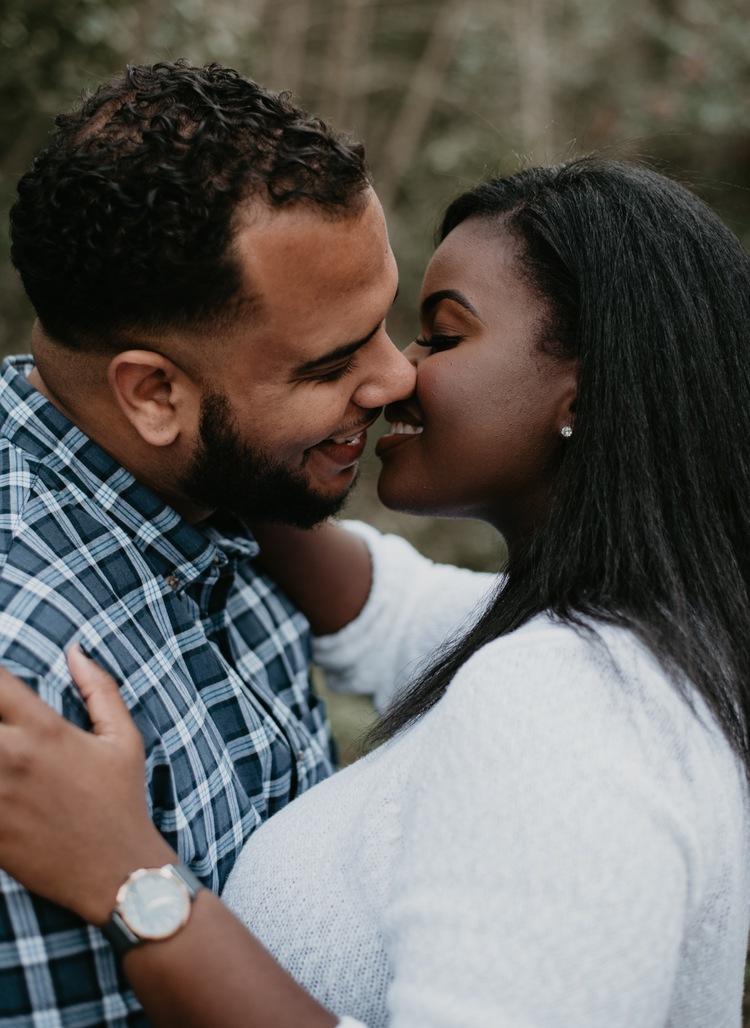 jesse-couples-photographer-waco-texas-taylor-content.jpg