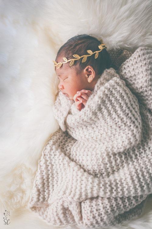 sairah-newborn-photographer-malmo-sweden-taylor-content.jpg