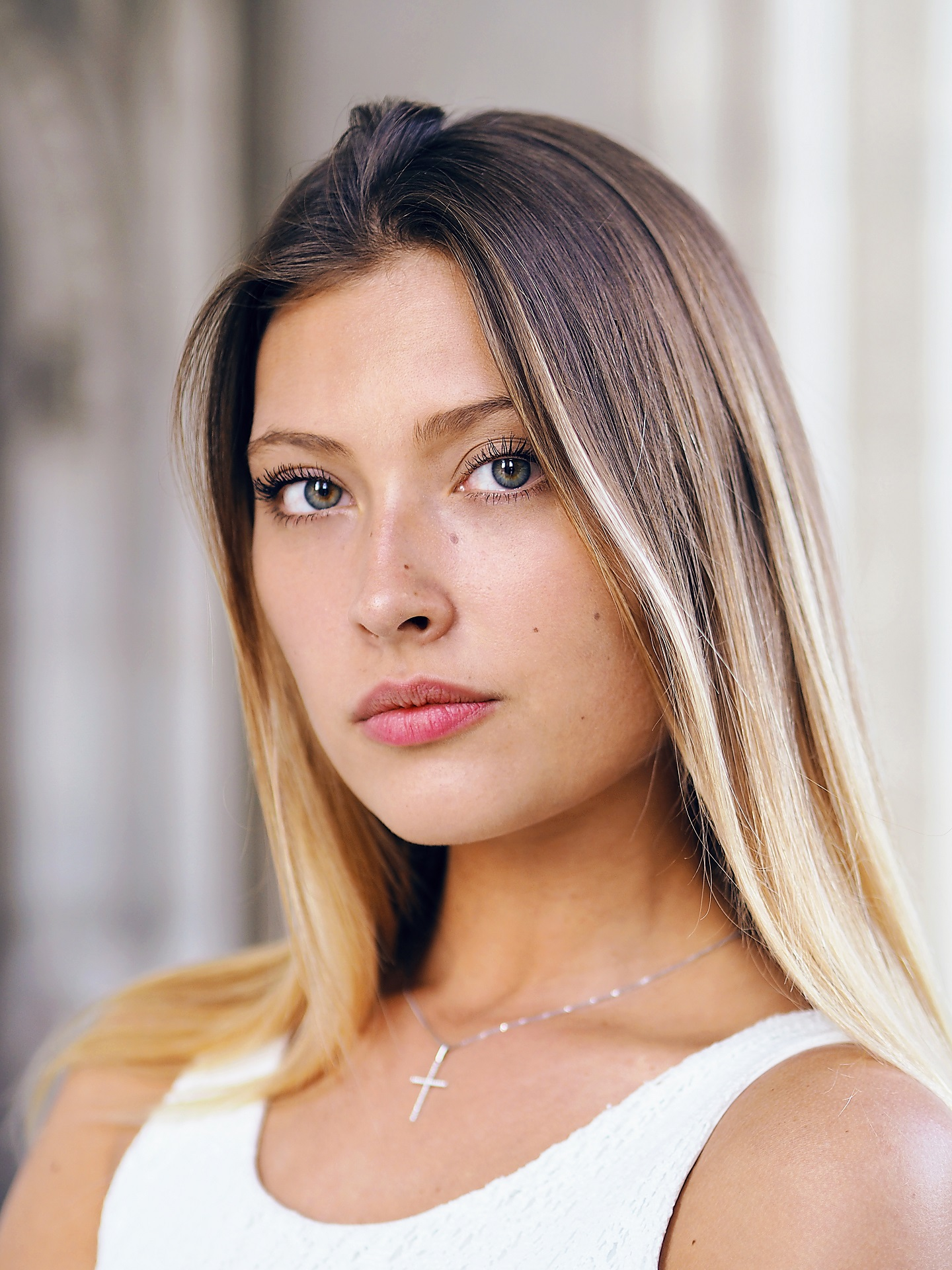 virag-portrait-photographer-vienna-austria-taylor-content.jpg