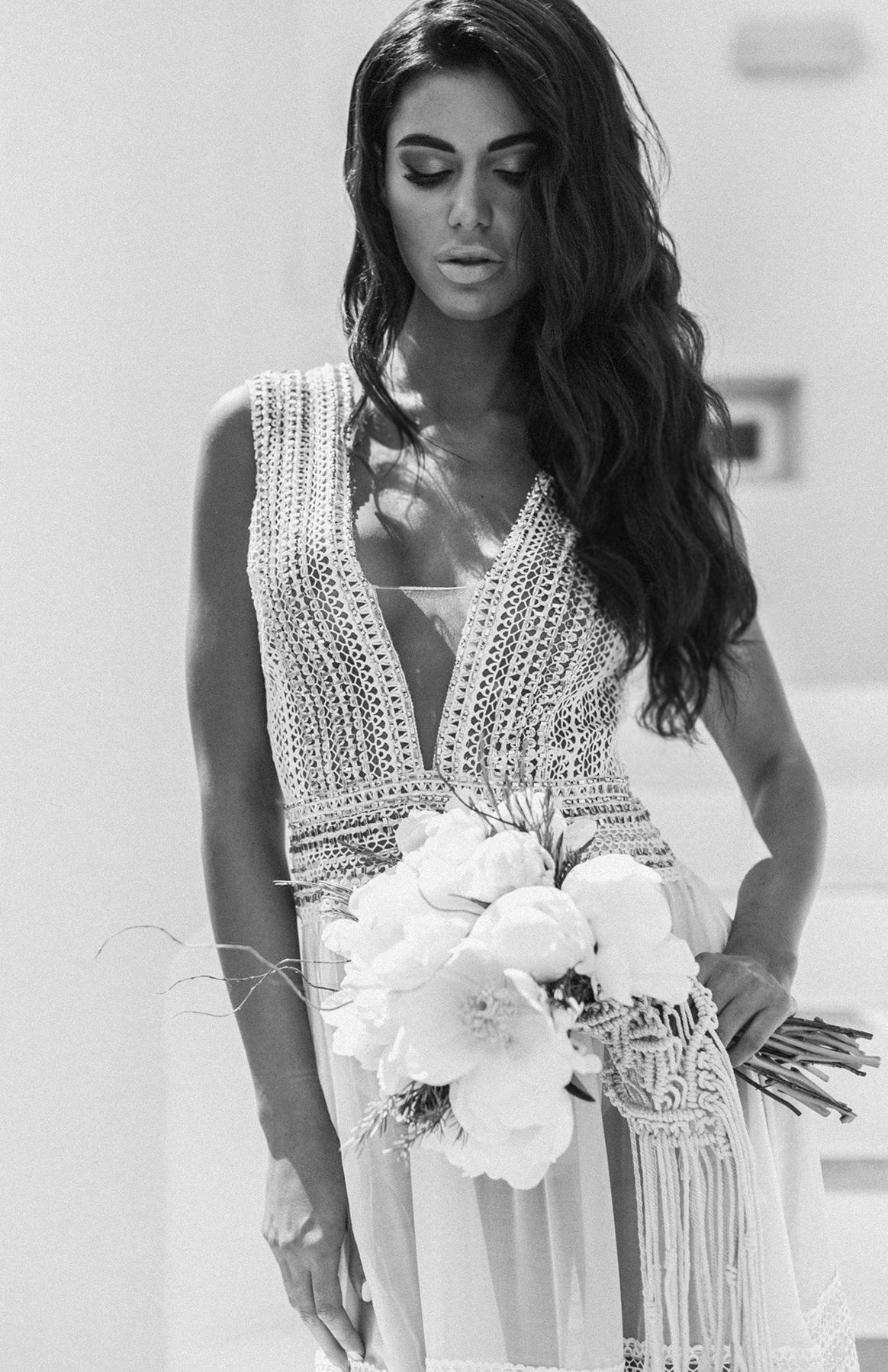 nora-bridal-photographer-marbella-spain-taylor-content.jpg