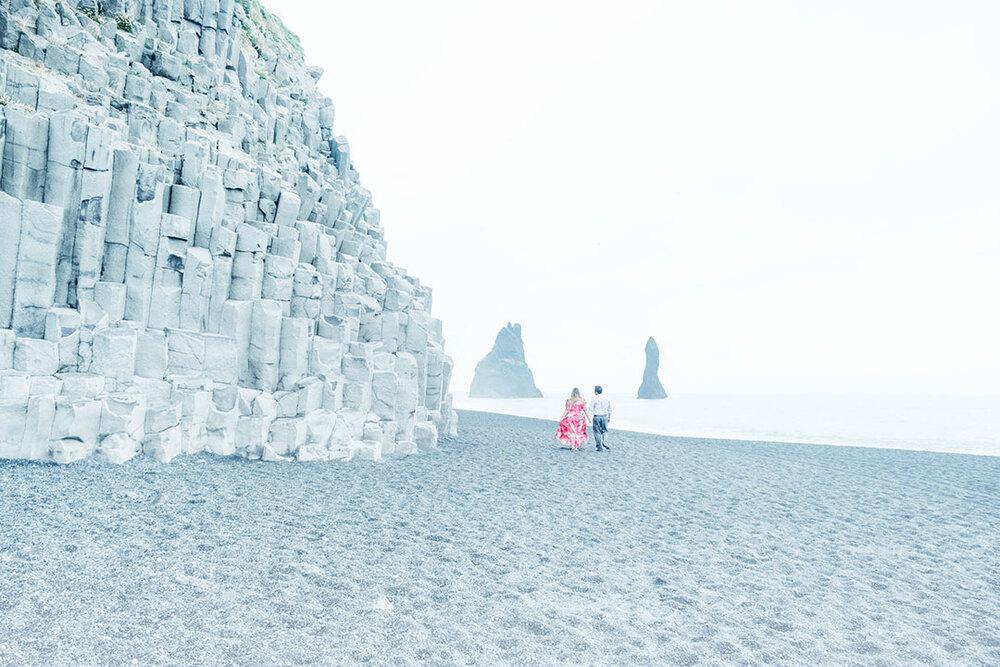 cat-couples-photographer-reykavik-iceland-taylor-content.jpg