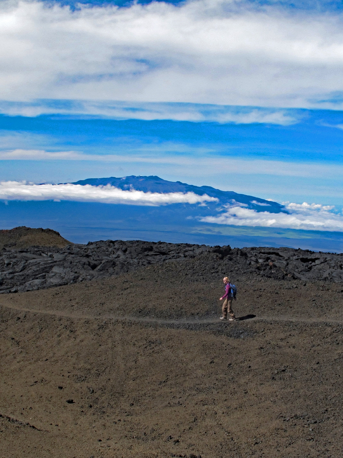 Descending Mauna Loa with views of Mauna Kea