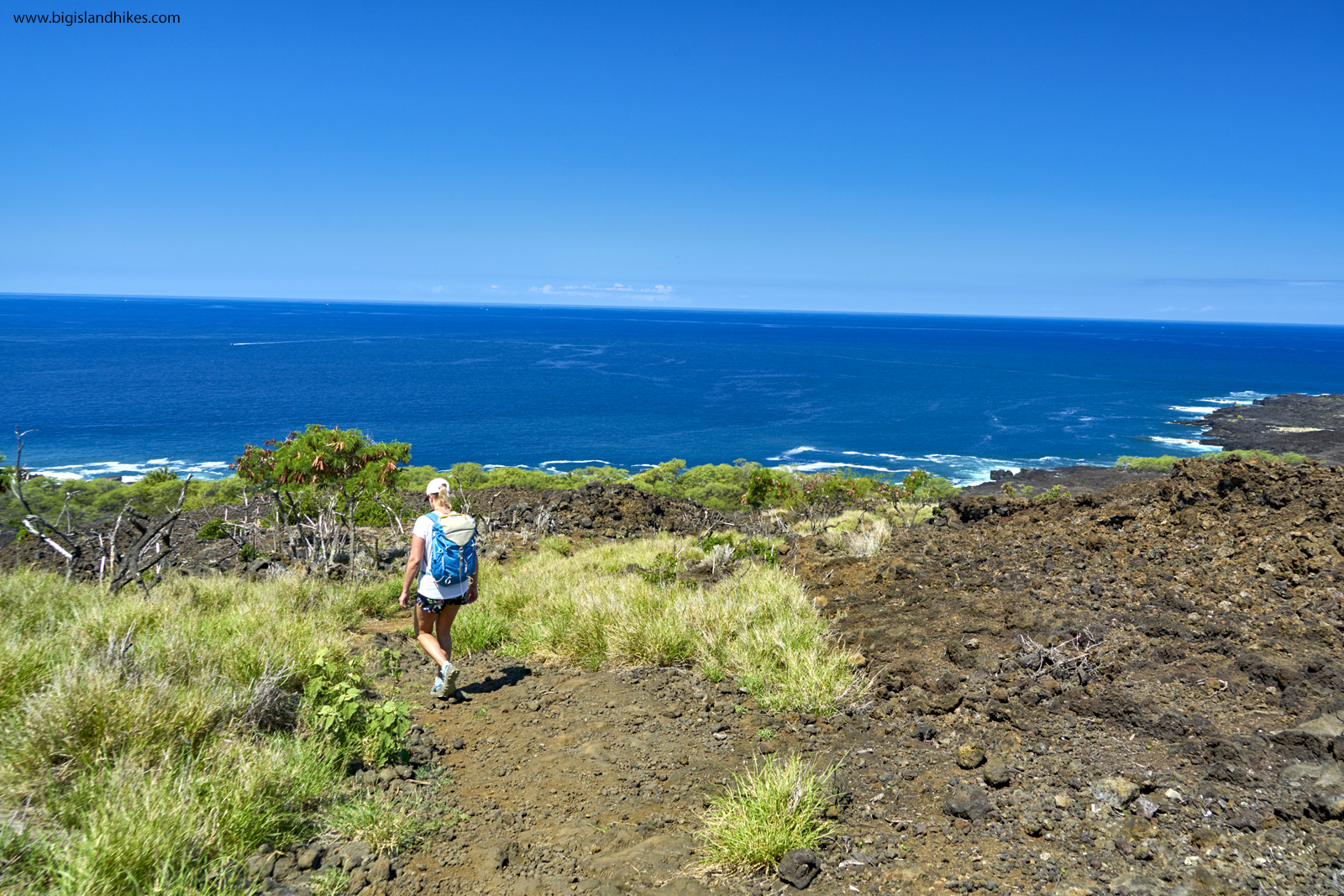 Hiking above the Sea to Kealakekua