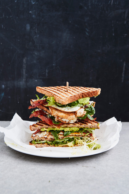 BLT_Chicken_Sandwich_21979.jpeg
