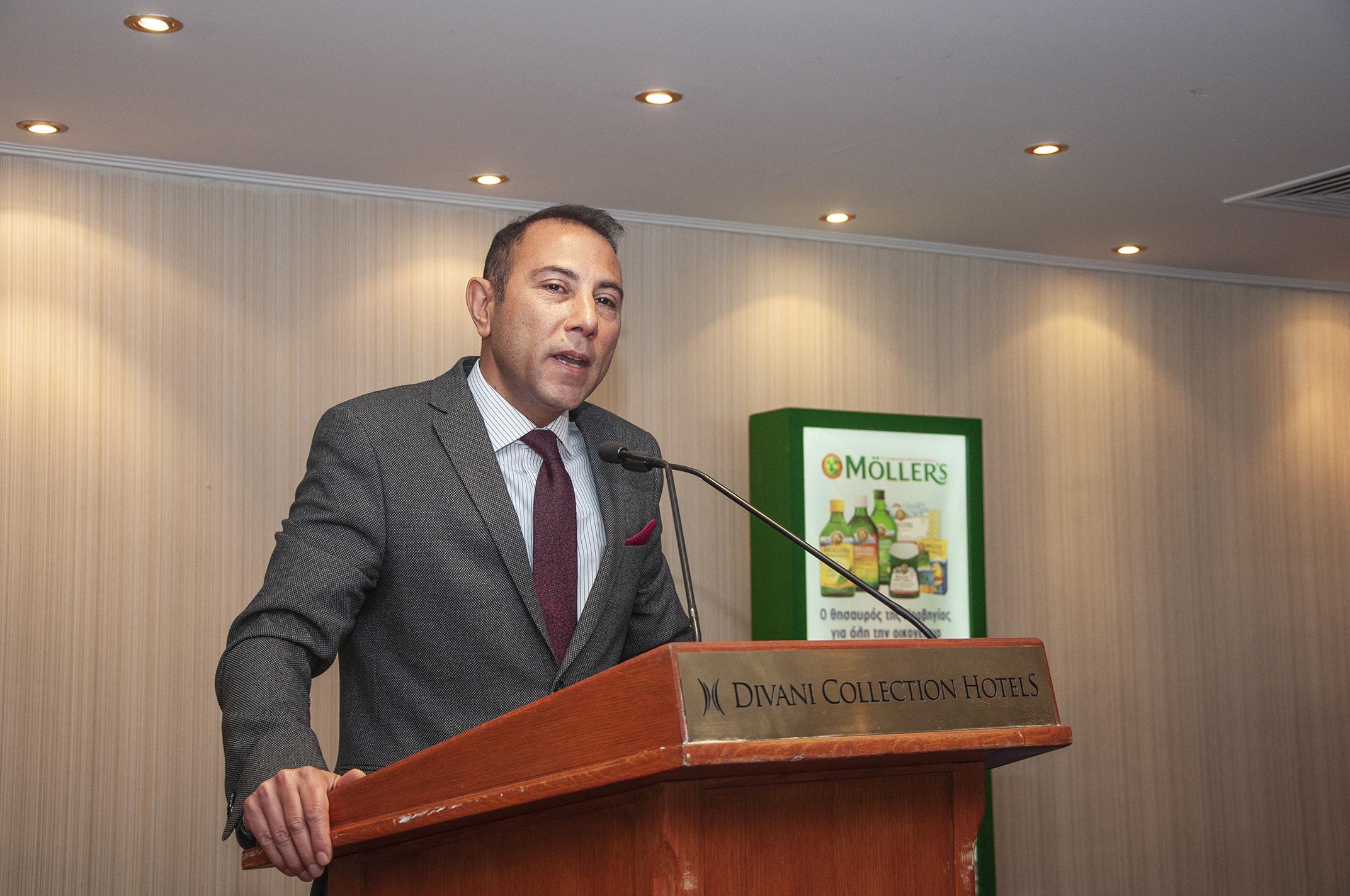 Ο γνωστός Διαιτολόγος - Διατροφολόγος PhD Δημήτρης Γρηγοράκης, Διδάκτορας και Επιστημονικός Συνεργάτης του Τμήματος Επιστήμης Διαιτολογίας - Διατροφής του Χαροκόπειου Πανεπιστημίου.