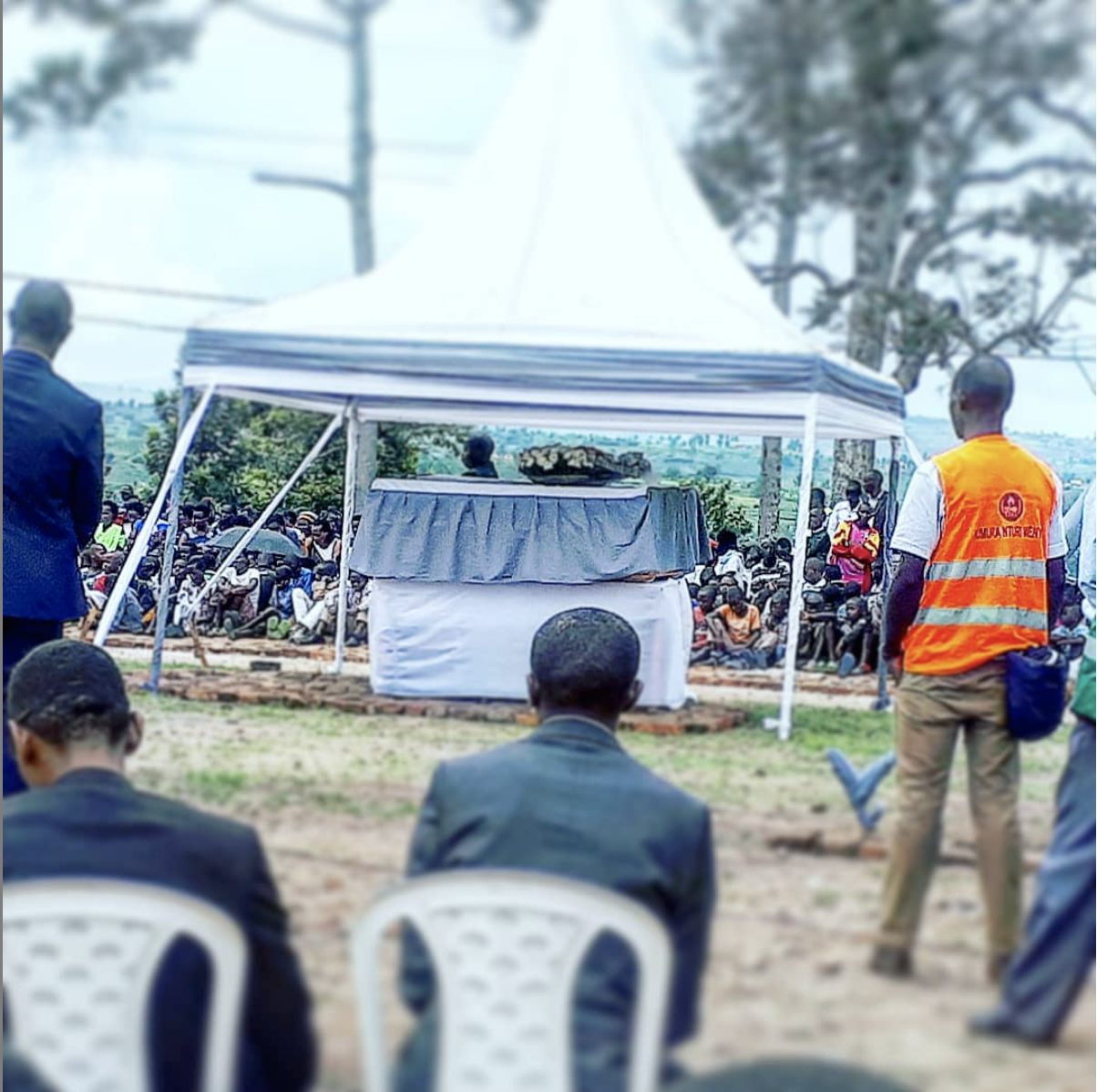 124 bodies of victims of the 1994 Genocide against the Tutsi waiting to be buried in the Kinazi Genocide Memorial, which has more than 60,000 victims already buried there. #RwandaRemembers #Kwibuka24