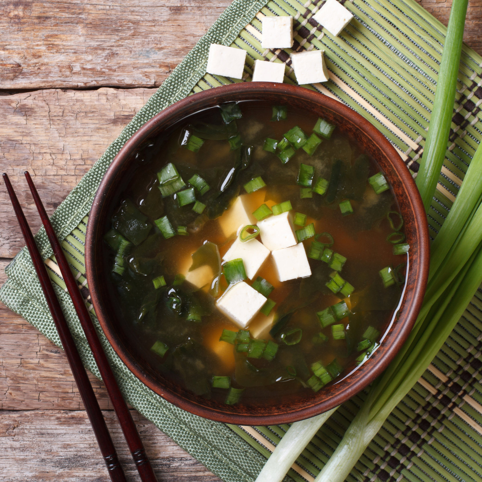 About Macrobiotics - What are Macrobiotics? The simplest way to put it is that it's a universal way of health and longevity that is best known for its dietary approach which focuses on eating whole grains, beans, fresh vegetables and fruits, and sea vegetables…which are high in minerals.This dietary approach has been used to achieve optimal health and well-being, and in many instances, cure a wide range of illnesses by making adjustments in our eating habits. Unlike 'modern' Western medicine, which focuses on the symptom, Macrobiotics focuses on the underlying cause of the illness.