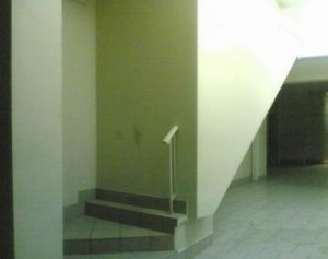 At least there is a hand rail