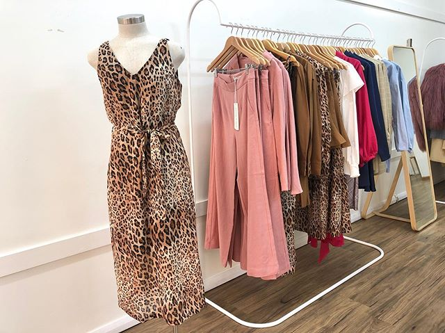 Happy Saturday ✨  We have so many beautiful new arrivals in store, so make sure you pop in for a little bit of retail therapy this weekend! X
