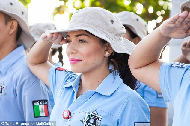 31AF139B00000578-3469193-Sexy_Acapulco_s_police_chief_has_recruited_42_women_aged_18_to_2-a-8_1456819691782.jpg