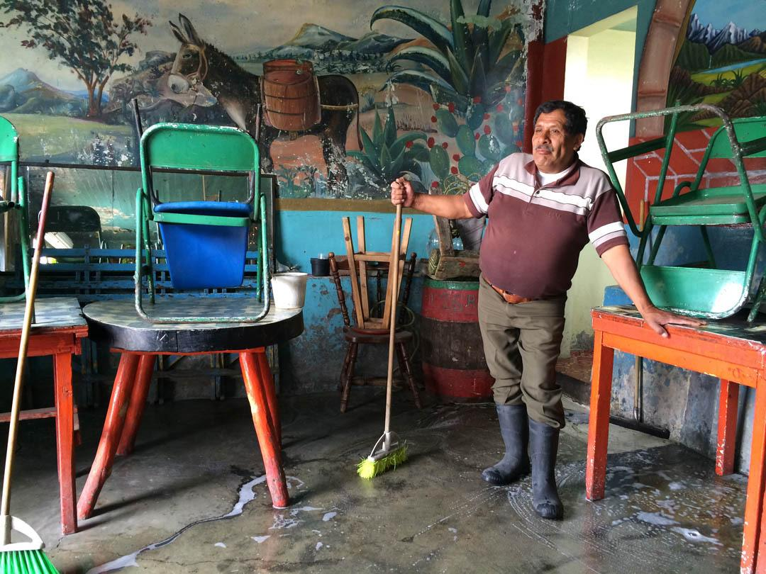 miserable-flooding-is-a-fact-of-life-in-mexico-citys-impoverished-iztapalapa-borough-article-body-image-1401737946.jpg