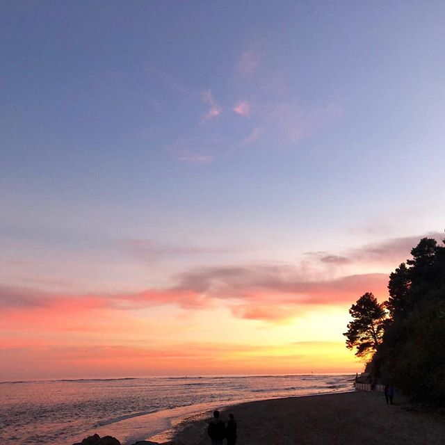 Beautiful Bolinas is the star of our #sunsetsunday this week. Send us your favorite sunsets and we'll share them! #surfdaily #lovelife #livehealthy #bolinas