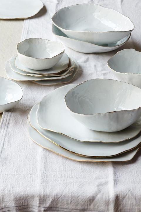 white_plates.jpg