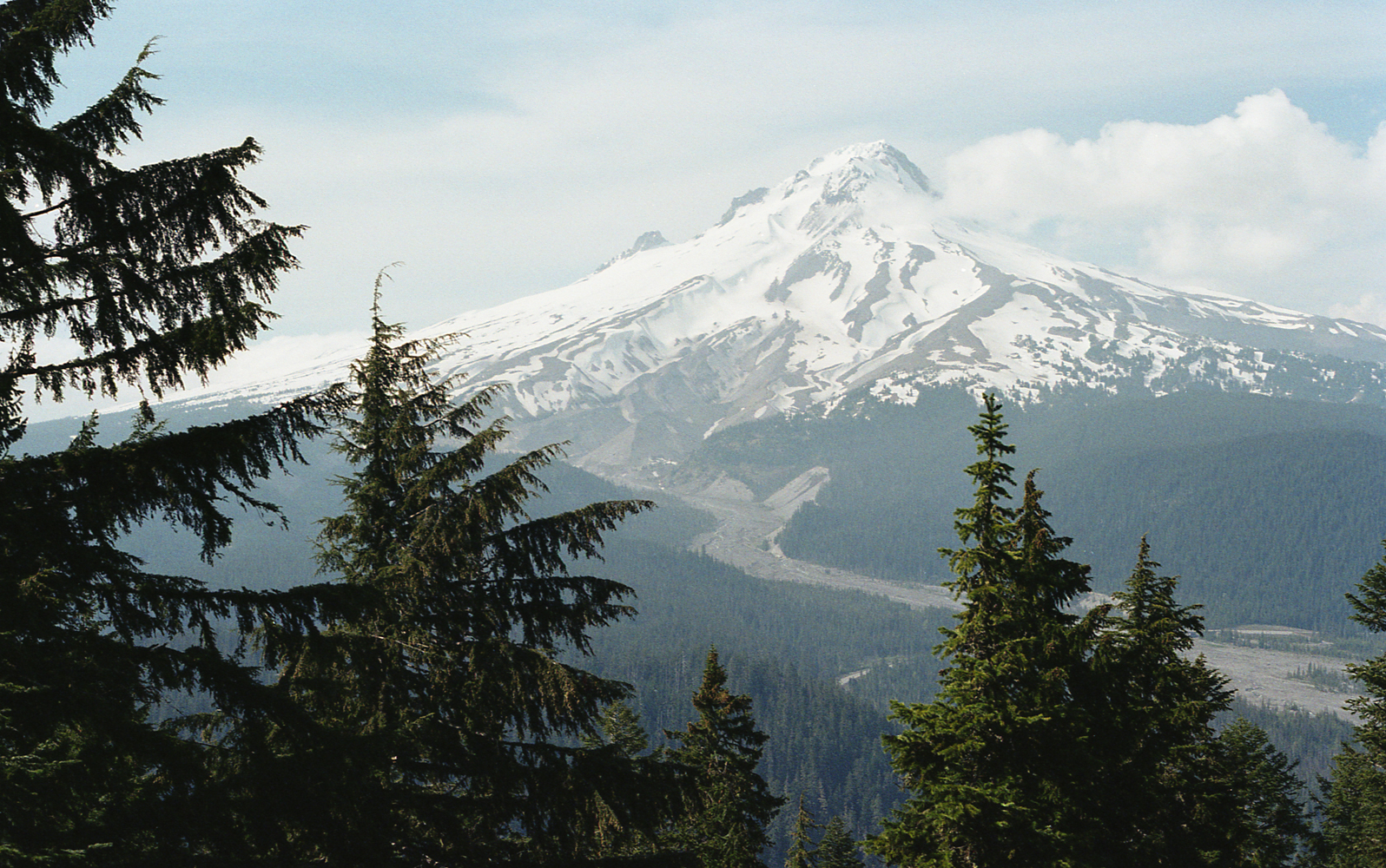 01-22 Mt Hood and White river canyon from Barlow Butte.jpg