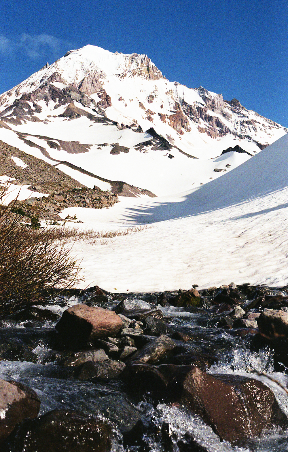 01-36 Glacial stream below Gilsan glacier on Mt Hood.jpg
