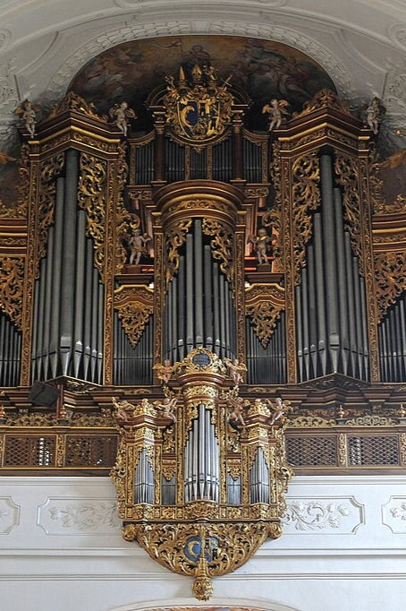 1024px-Kloster_Rheinau_06_09.jpg