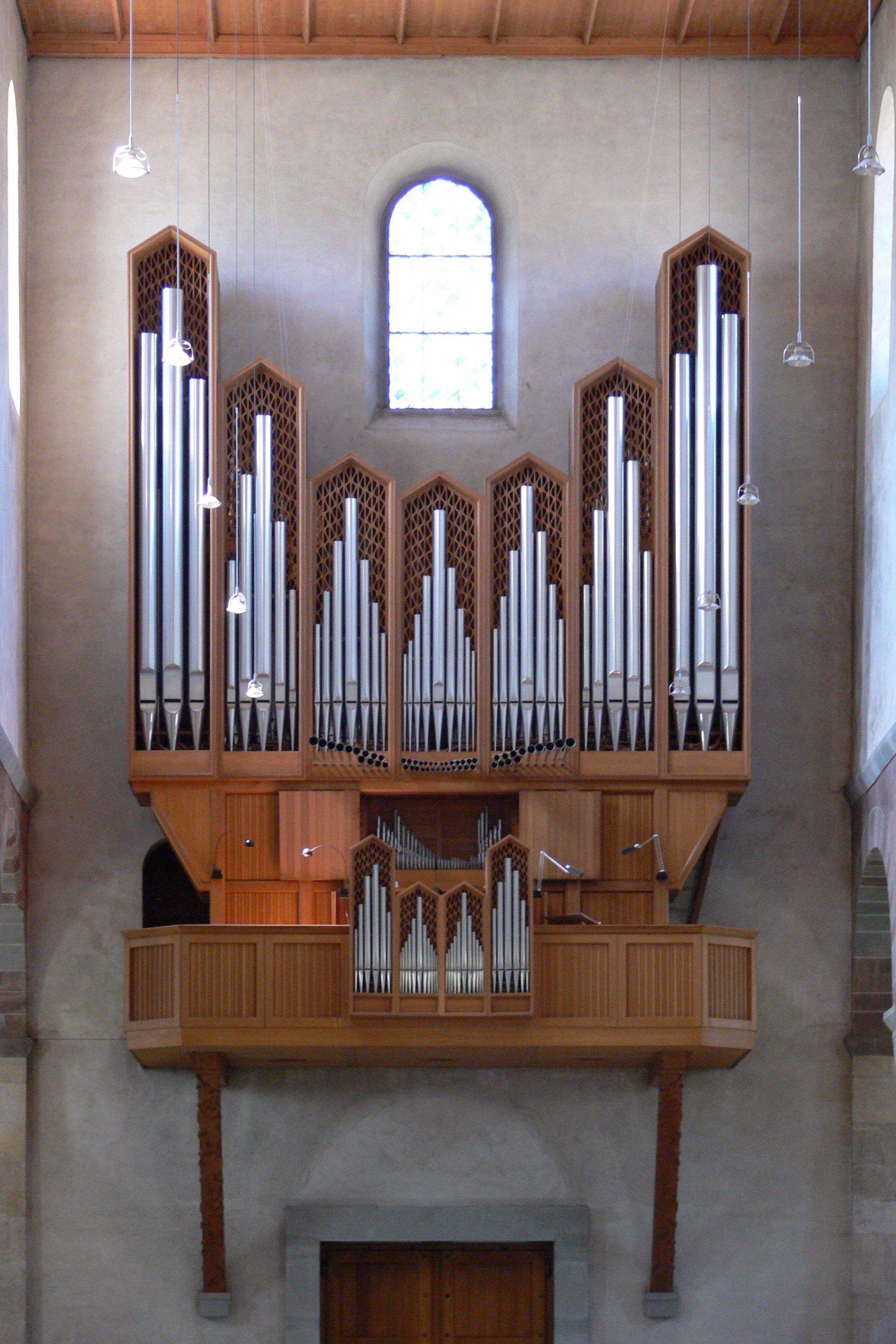 Schaffhausen_Münster_Orgel_Metzler_1958.jpg
