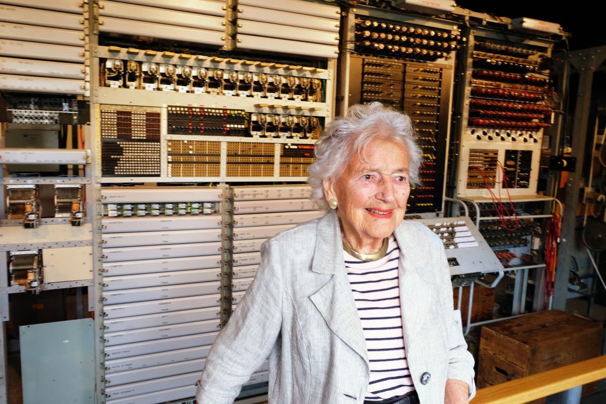 Colossus wireman Margaret Bullen
