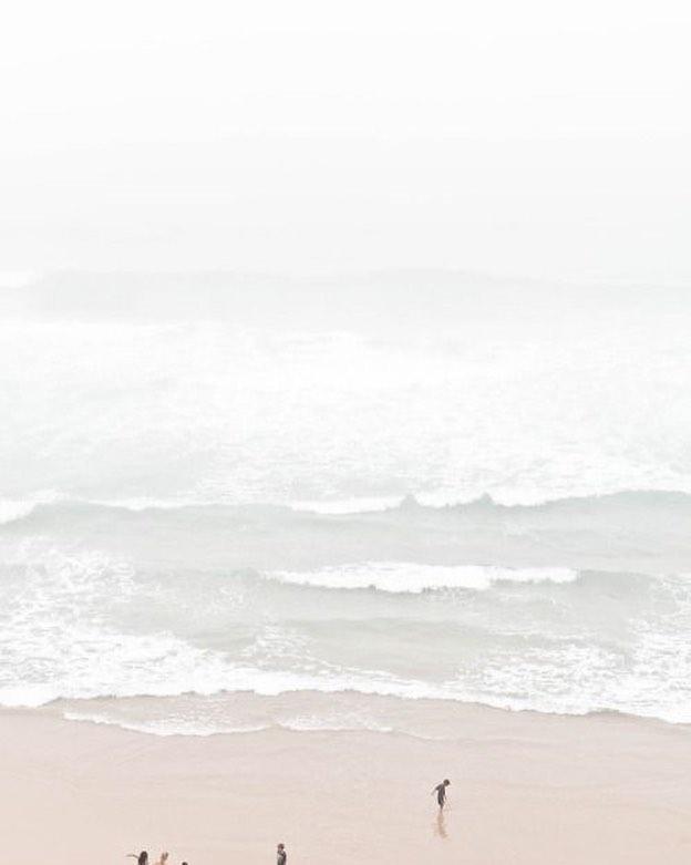 V A C A N C E S  Oui oui, tout à fait ! On en reparlera sûrement, mais c'est important de faire des pauses dans le marathon de temps en temps 😜 (il y aura néanmoins du surf impliqué pendant ces vacances : en cas d'exploit vous serez bien sur prévenues)  #timeoff #vacances #bisous #aleau #surfmamma