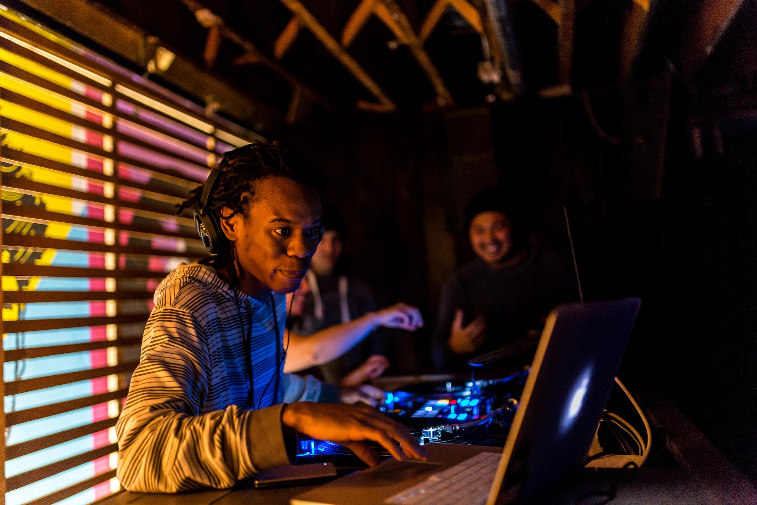 Beat+Drop+DJ+Student.jpg