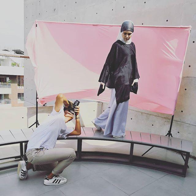 #behindthescenes from a #Mariamah fashion shoot  Photos coming soon! . . . . . . . . . . . . . . . . . . . . . . . . . . . . . . . . . . . . . . . . . .. . . . . . . . . . . . . . .  #fashionphotography #hijabster #hijab #hijabfashion #hijabi #modestfashion #modestdresses #modestclothing #modestwear #abaya #muslimwomen #muslimahfashion #muslimah #muslimahwear #muslimgirl #ootd #instahijabi