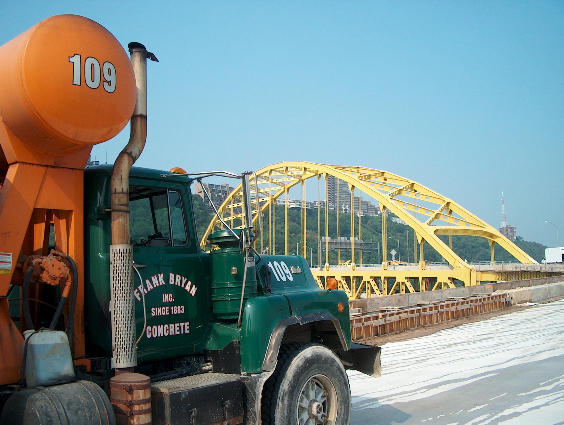 Fort Pitt Bridge 1.JPG