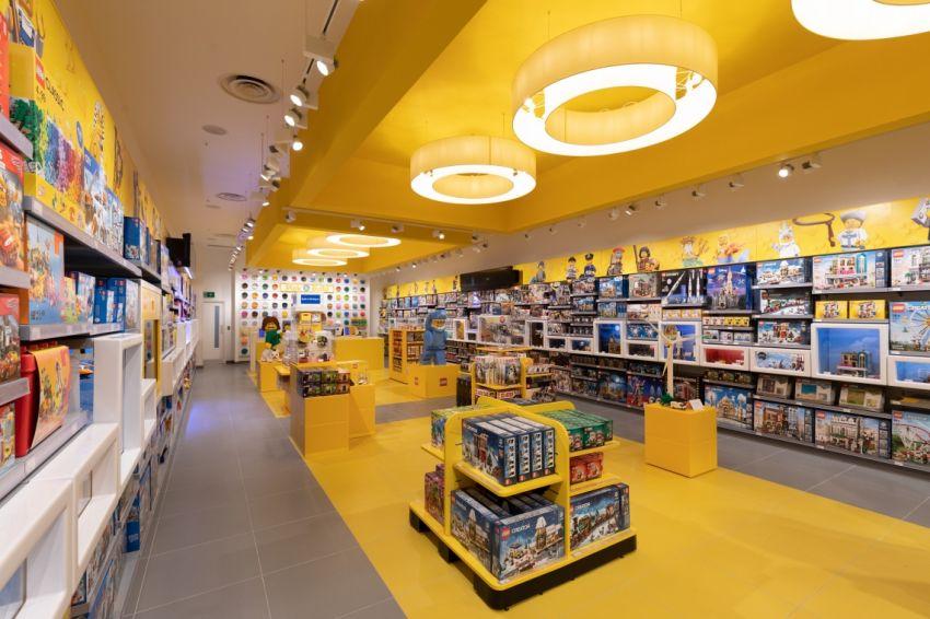 LEGO_BrandStore_02.jpg