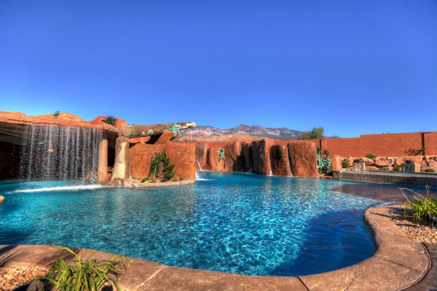Cutting-Edge-Pools-12-710x473.jpg