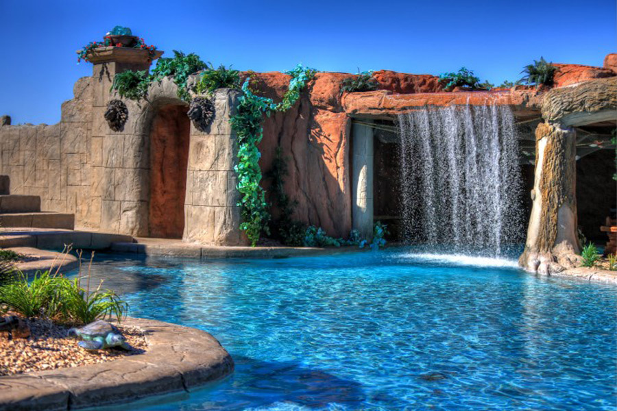 Cutting-Edge-Pools-25-710x473.jpg