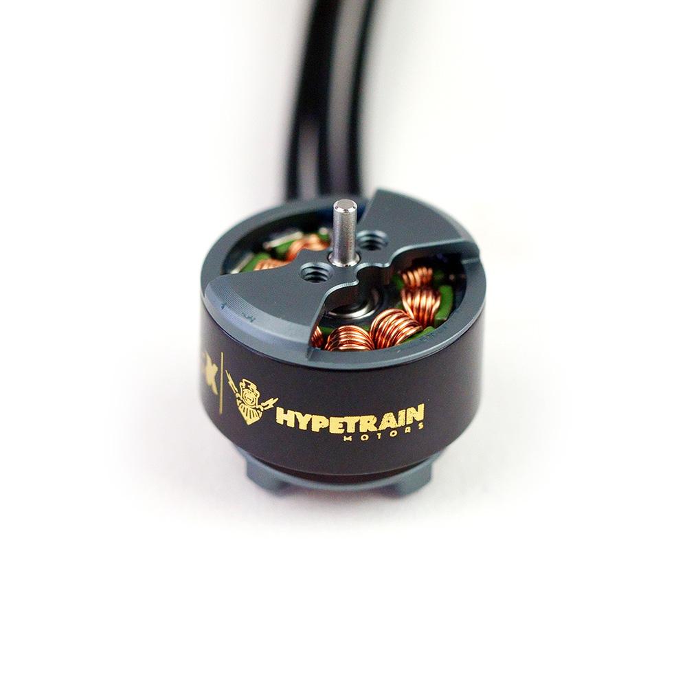 Rotor_Riot_Hypetrain_Brat_1407_4140kv_Motor_01.JPG