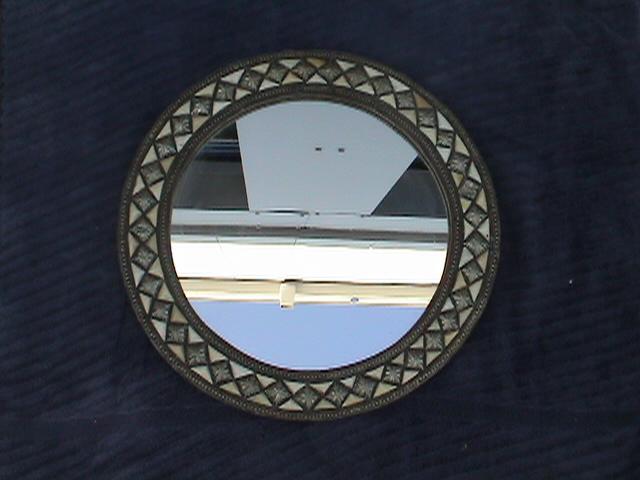 Moroccan round inlay mirror, dia 28cm.JPG