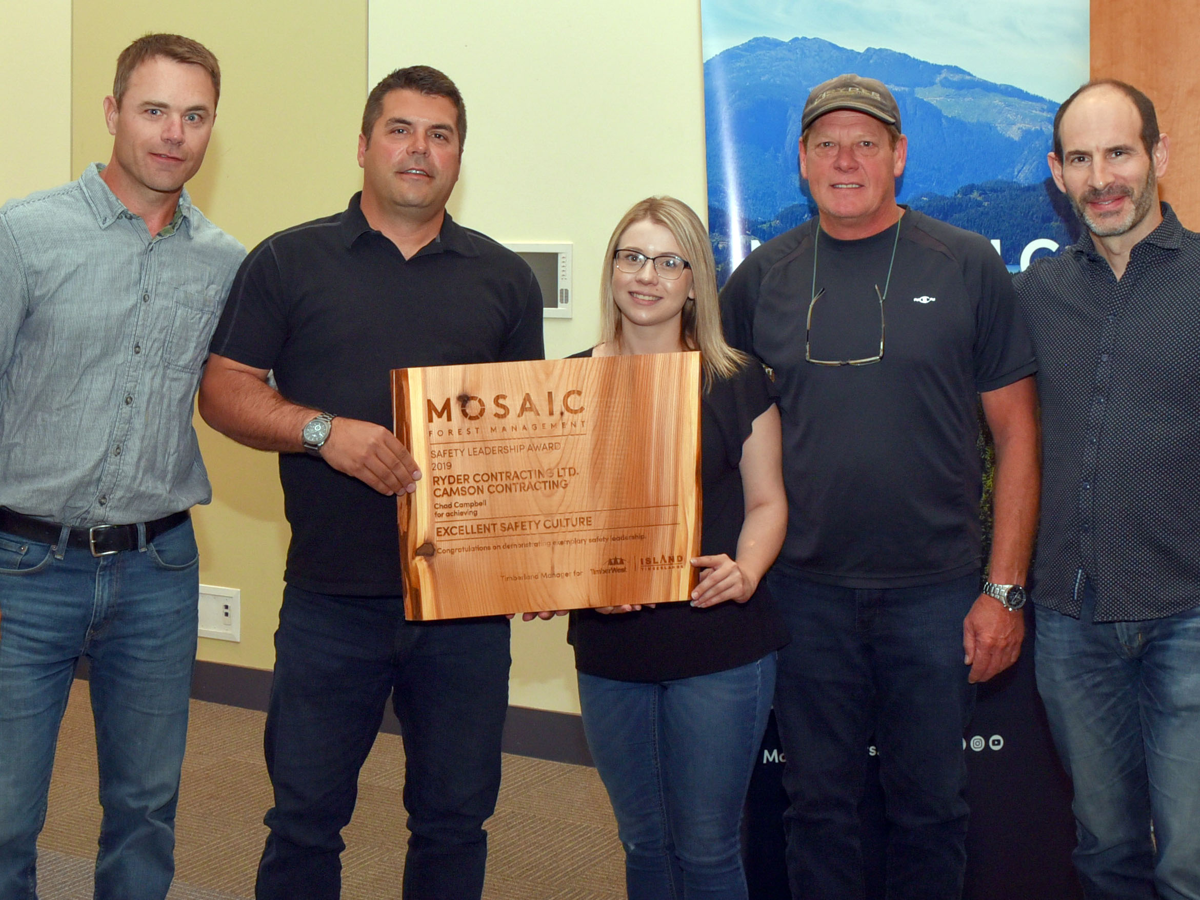 (l to r) Mosaic Forest Management's General Manager, Operations, Central Island; Chad Campbell, Karlie Ward and Bill Chadwick, of Ryder Contracting Ltd./Camson Contracting; and Jeff Zweig, Mosaic's President and Chief Executive Officer.